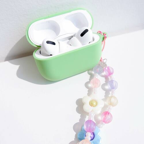 This is a sign for you to get our newly launched Beaded Charms and attach them to your favorite gadgets 🤳  In frame: • Airpods Pro Candy Case in Mint Green • Beaded Charms in Color-Fleur